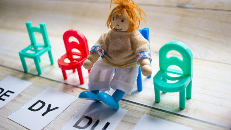Balansujące krzesełka w terapii